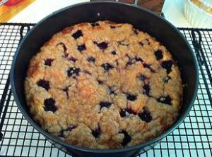 Blackberry cream cheese cake